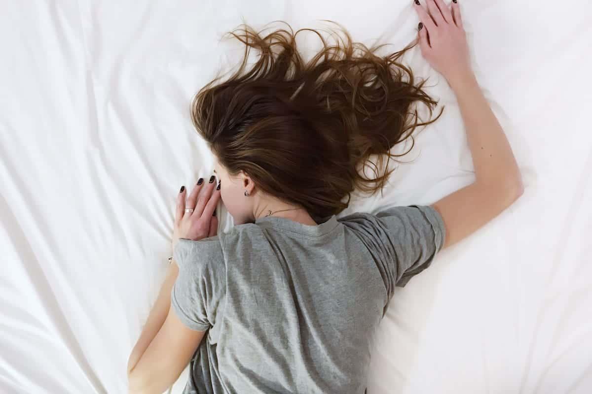 bedre søvn, noen som sover i senga